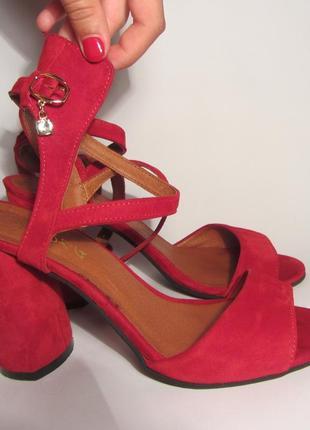 Туфли красные замшевые с кожаной стелькой ilona