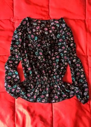Очень красивая приталенная,легкая блуза