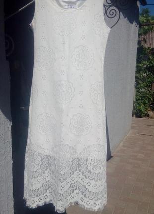 Красивый кружевной белый сарафан платье