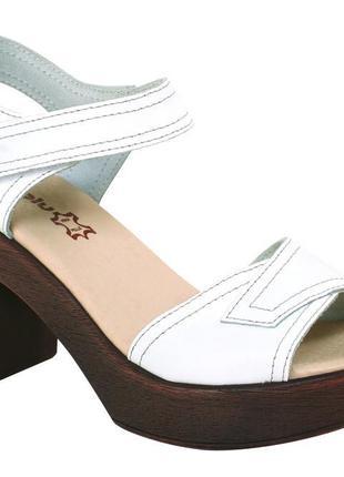 Босоножки inblu 36-41 натуральная кожа на каблуке платформе белые, синие