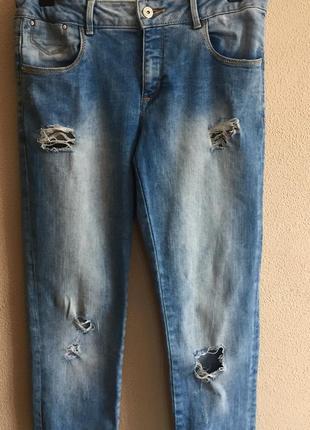 Рванные джинсы zara 34-36