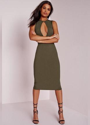 🌿 бомбезное миди платье в рубчик с шикарным декольте от missguided