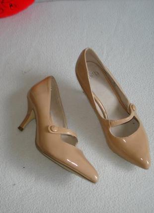Туфли лодочки классические лакированные бренд  faith connexion