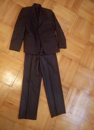 Школьный костюм ,10-12 лет