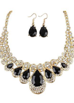 Роскошное колье ожерелье с серьгами в черно-белых камнях