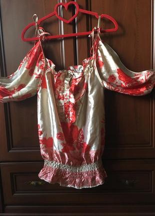 Эффектная блуза блузка с рюшами воланами