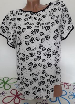 Блуза из полиэстера в сердечка....