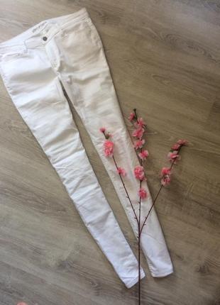 Белые брюки vero moda