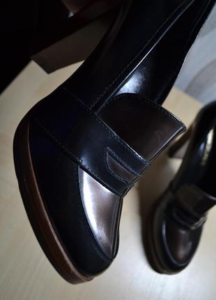 Кожаные лоферы на высоком каблуке. италия