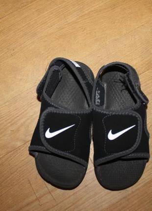 Оригінальні босоножки , сандали nike