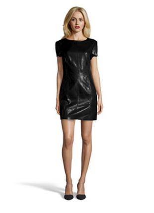 Платье футляр из вискозы с эффектом кожаного sisley, s/м. чёрное. 2 кармана