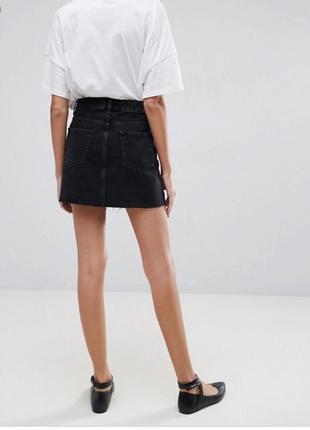 Чёрная джинсовая мини юбка