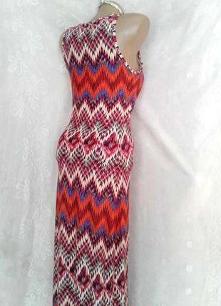 Стильное яркое макси платье-чулок с орнаментом, s4 фото
