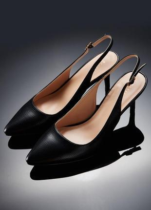 Босоножки mohito 36 черные средний каблук