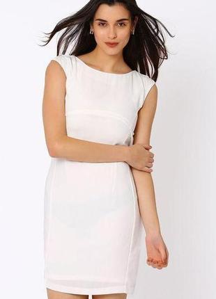 Платье-футляр с красивым шифоном на спинке от kira plastinina, размер l