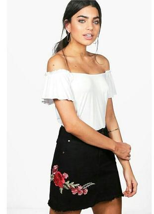 Стильная юбка с нашытыми цветами//boohoo