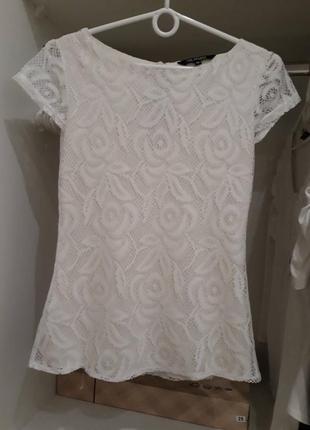 Нежная  кремовая блузочка из елегантного кружева