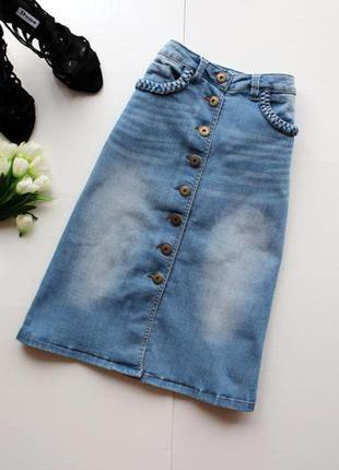 Джинсовая юбка на пуговицах тренд сезона