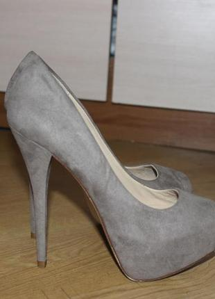 Супер стильні туфлі , туфли на высоком каблуке zara
