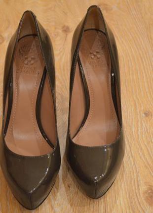 Стильные яркие туфли vince camuto