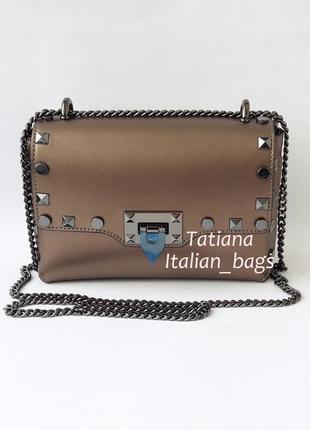Модная сумочка клатч с заклепками, бронза. италия