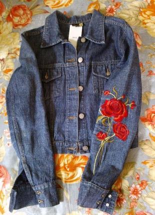 Mango джинсовая куртка с вышивкой
