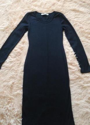 Чёрное платье миди