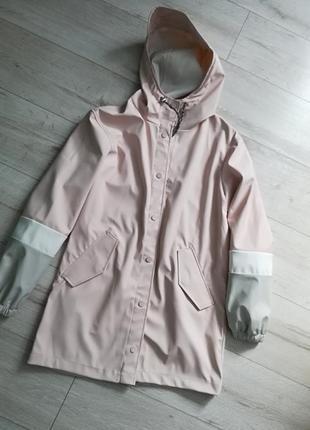Супер плащ, куртка світлих кольорів