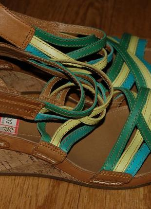 Кожаные босоножки сандалии 38 р clarks хорошее состояние