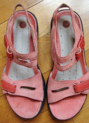 Качественные кожаные новые босоножки сандалии clarcs structured