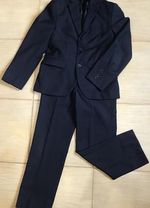 Школьный костюм, форма на мальчика 8 лет.
