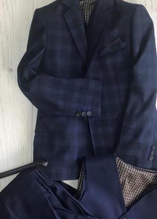 Костюм мальчику в клетку. школьная форма тройка: пиджак,штаны и жилет. 122-140 рост.
