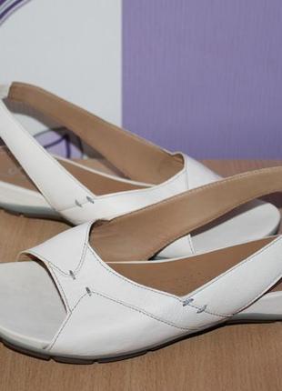 Кожаные босоножки сандалии clarks разм 39-39.5
