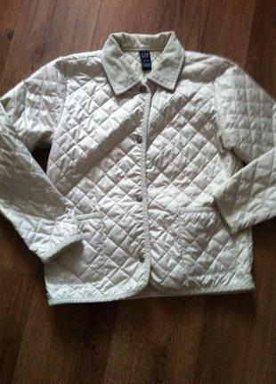 Стильная стеганная летняя курточка gap