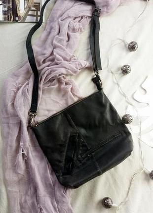 Стильная вместительная кожаная сумка (новая)