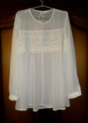 Блуза молочно-белая со вставкой ришелье