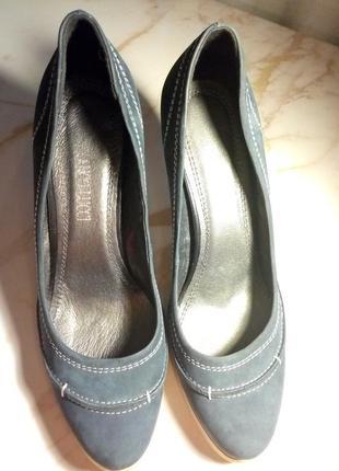 Супер удобные туфли на каблуках