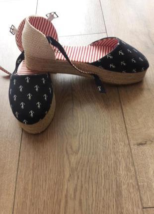Босоножки эспадрильи туфли