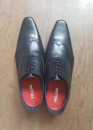 Уценка! новые туфли fellini 42р.,100% натуральная кожа черные мужские классические