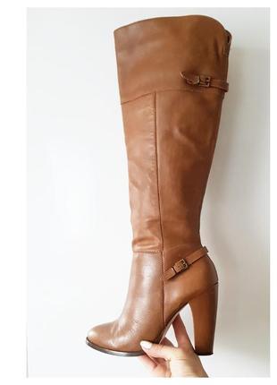 Коричневі шкіряні ботфорди/чоботи на середньому каблуку