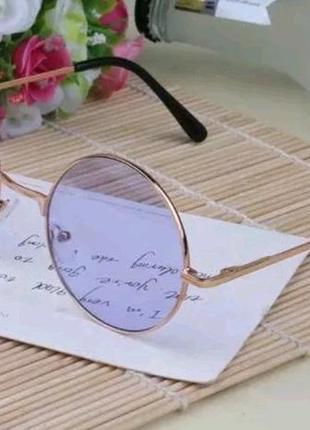 Стильные розовые очки