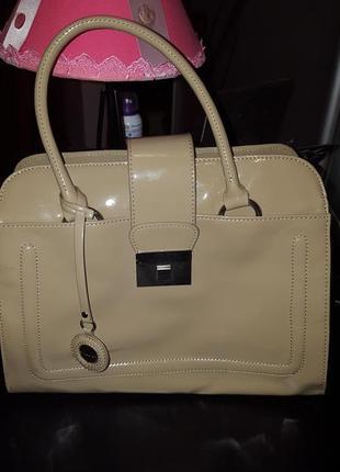 Очень стильная сумка debenhams