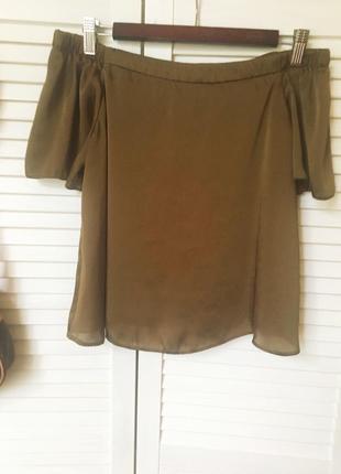 Шикарная блузка на плечах