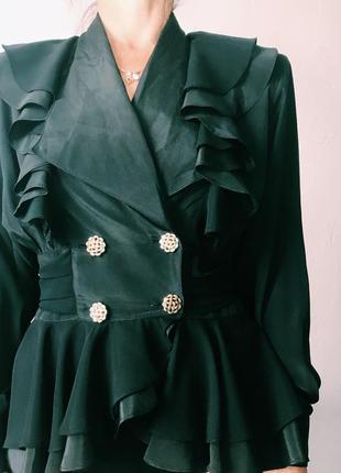Блуза с мнгочисленными рюшами! шикарная!