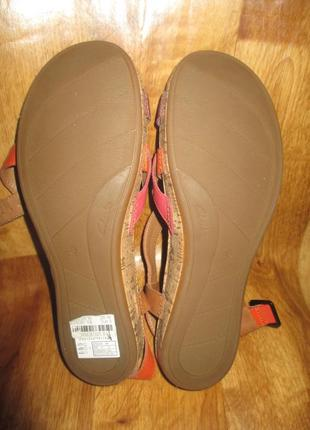 Мягкие кожанные босоножки clarks  на широкую ногу.2 фото