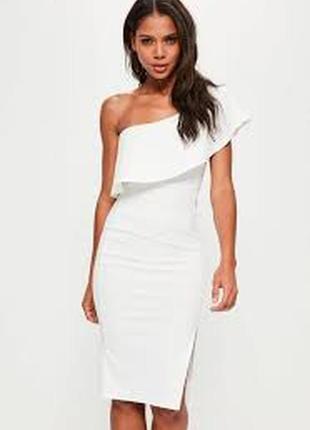 Красивое платье на одно плечо