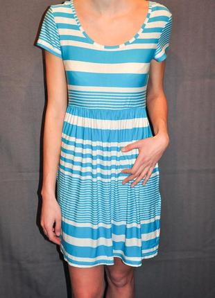 Летнее платье в плоску, короткий рукав