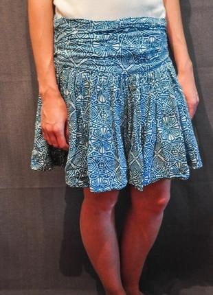 Летняя брендовая юбка с оригинальным узором