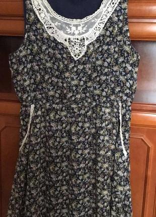 Шифоновое платье в мелкий цветочек с кружевом, р16