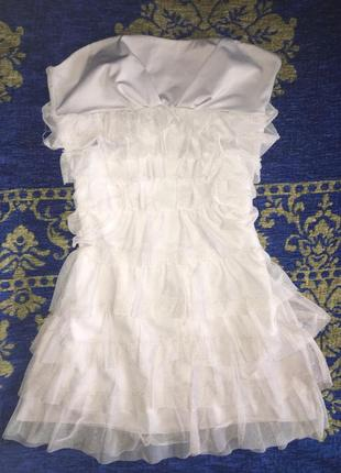 Кроткое коктельное платье с фатином